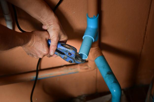 peritaje humedades y filtraciones en baño y cocinaes